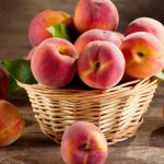 Peach, leaves, basket, HD fruit wallpaper