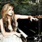 Avril lavigne at the piano wallpaper