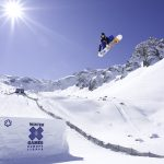Jumping snowboarder wallpaper