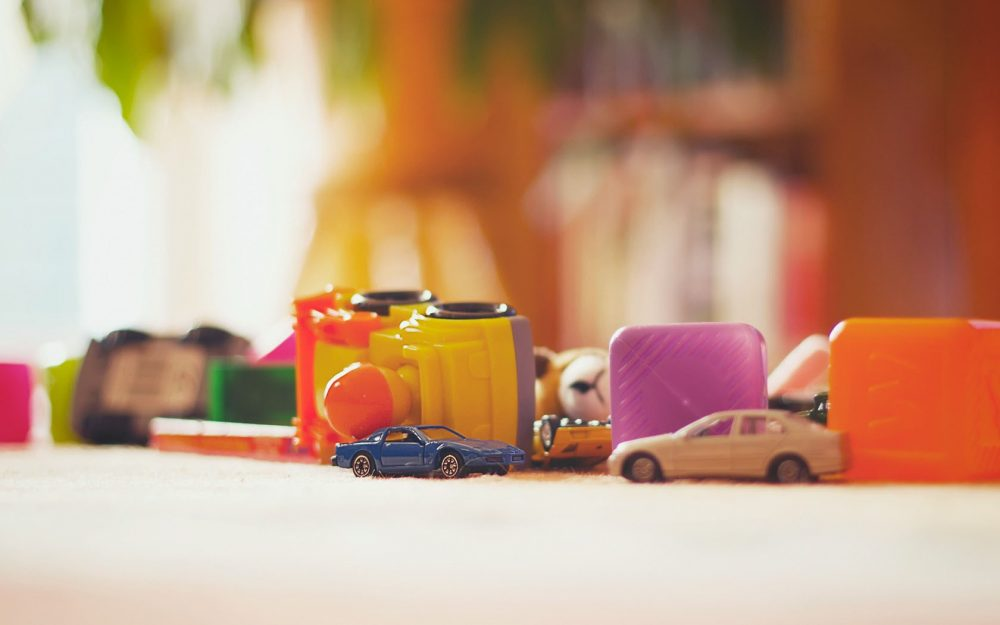 Lomo simple style toy car wallpaper picture