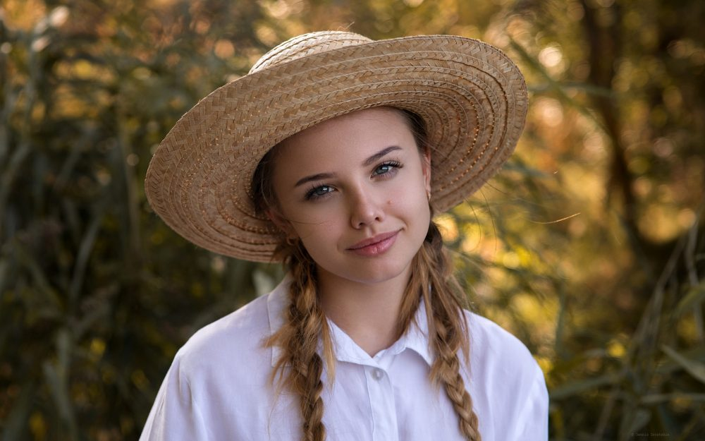 bokeh, view, krasotka, pigtails, alina, brown-haired, nature, white, Dennis Drozhzhin, makeup, green, hat, background, shirt, sun, portrait, hairstyle