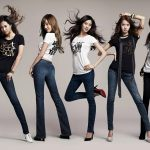 Girls' jeans fashion photo wallpaper