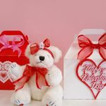 valentines day, hearts, bear, sitting, gifts