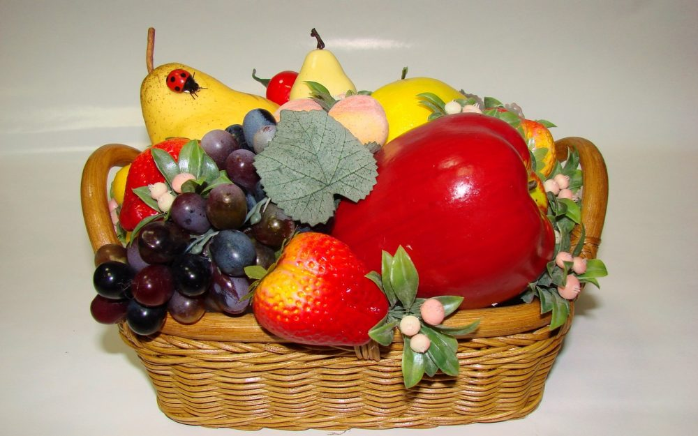 basket, apples, peaches, grapes wallpaper