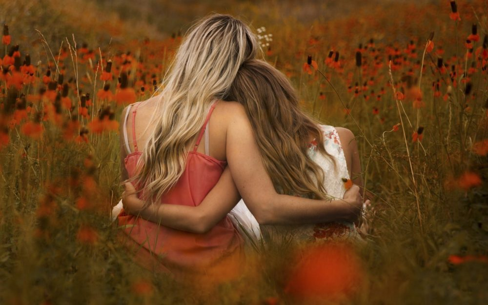 Field of flowers, sister, girl, back, artistic pictures, wallpaper
