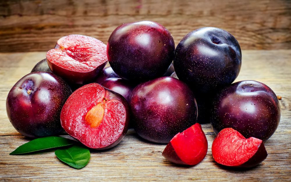 Prunes, plum, plum, fruit