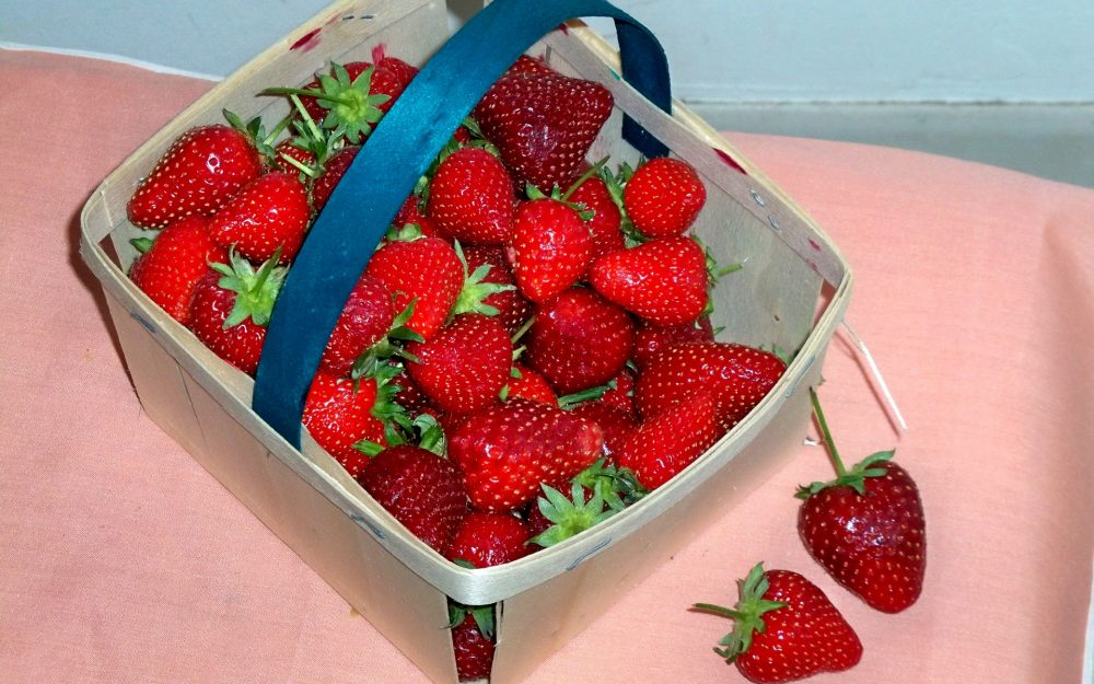 basket, bell, strawberry