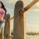 Seaside stature super good beauty model wallpaper