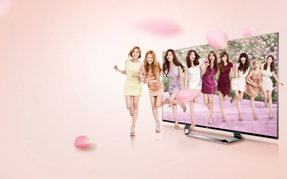 Girls' lg 3d tv television advertising wallpapers