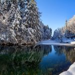 The natural beauty of the river in winter snow desktop wallpaper pictures