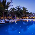 Maldives hotel night scenery widescreen desktop wallpaper