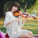 Smiling beauty, violinist, clothes, wallpaper