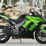 Motorcycle green-black
