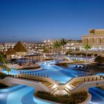 Hotels, swimming pools, lights, luxurious, open-air, beach scenery wallpaper