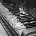 Music, piano, close-up