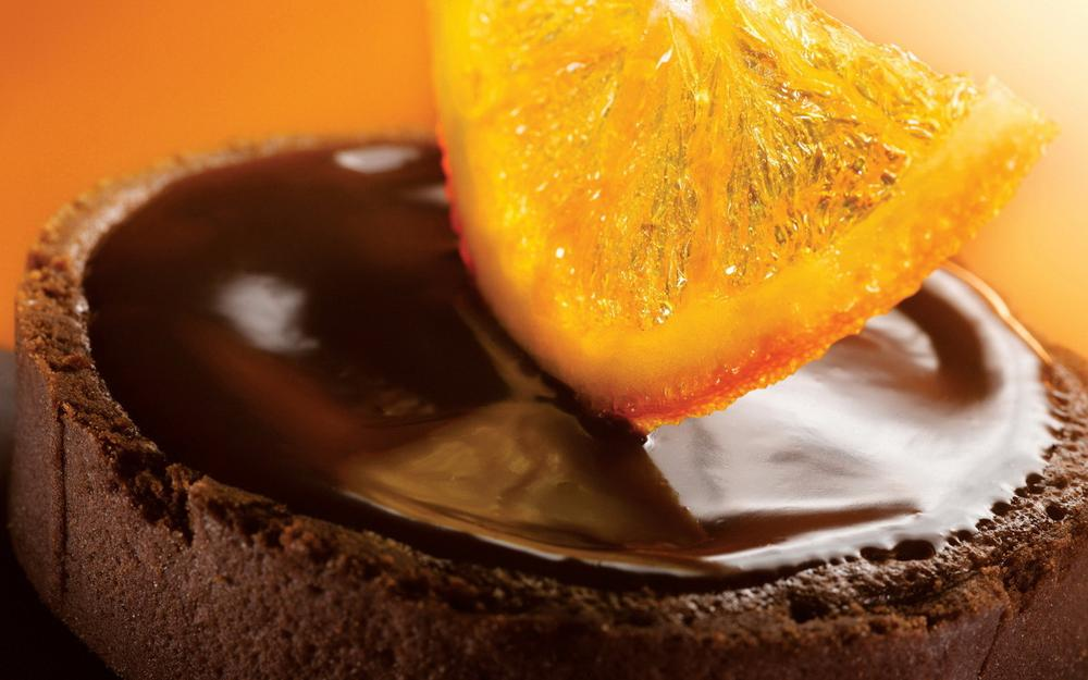 Orange in chocolate