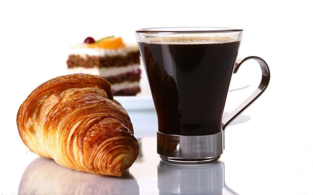 Coffee with cakes desktop wallpaper