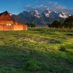 Farm, mountain, snow mountain, house, grass, woods, landscape picture, desktop wallpaper
