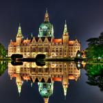 Reflection of the palace in the lake desktop background