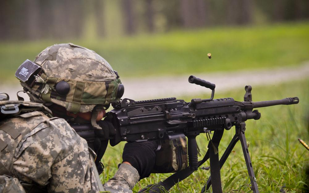 Combat shooting, soldier, manual, m249, machine gun, equipment, flight