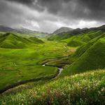 Hills, water channel, green plants, natural scenery desktop wallpaper