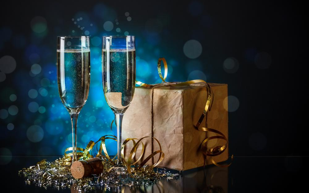 Champagne gift holiday desktop wallpaper