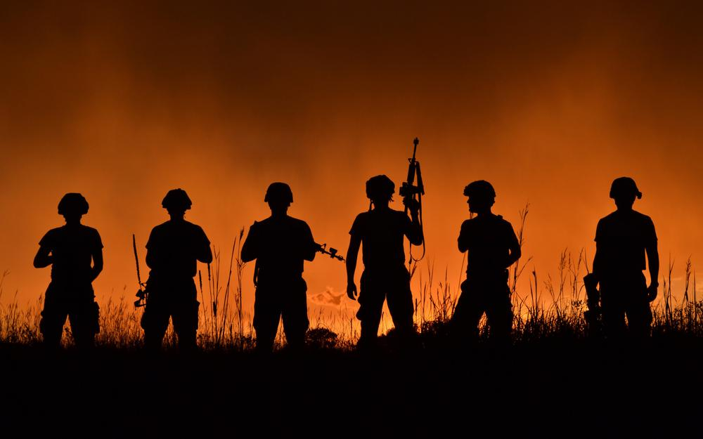 Military soldiers silhouettes wallpaper