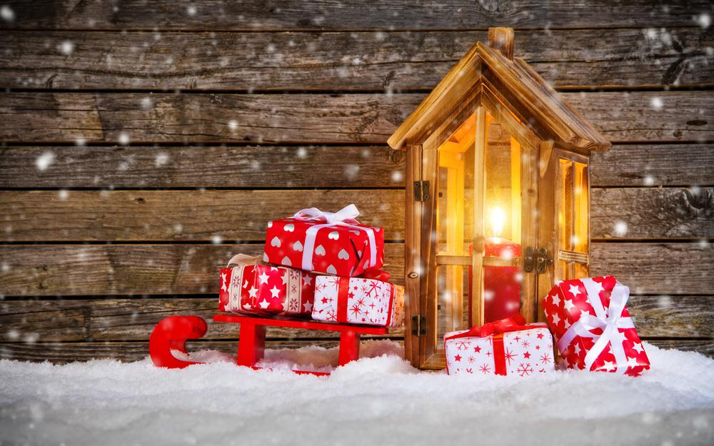Gifts new year candle snow wallpaper
