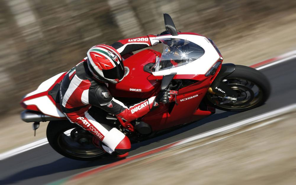 Turn racer track motorcycle