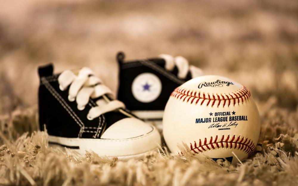 Sneakers, ball