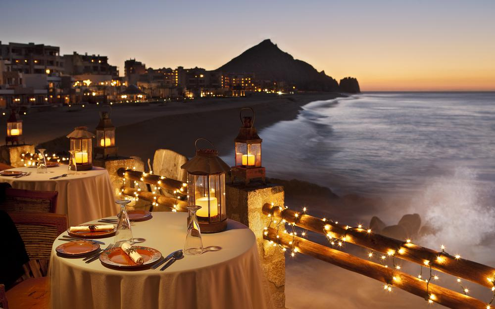 Romantic table by the sea, restaurant, beautiful ocean sunset landscape wallpaper
