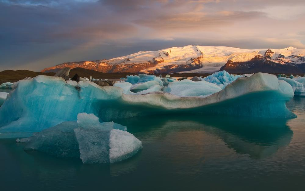 Iceland, bay, icebergs, snow, mountains