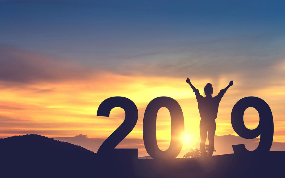 2019 new year free young woman in the mountain landscape wallpaper