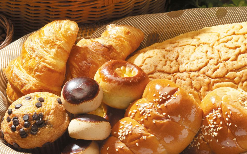 Basket, donuts, donuts, chocolate, pastries, buns, bread