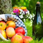 Apples, basket, picnic, wine, grass, bouquet, napkin