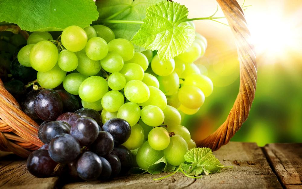 Grapes in the basket