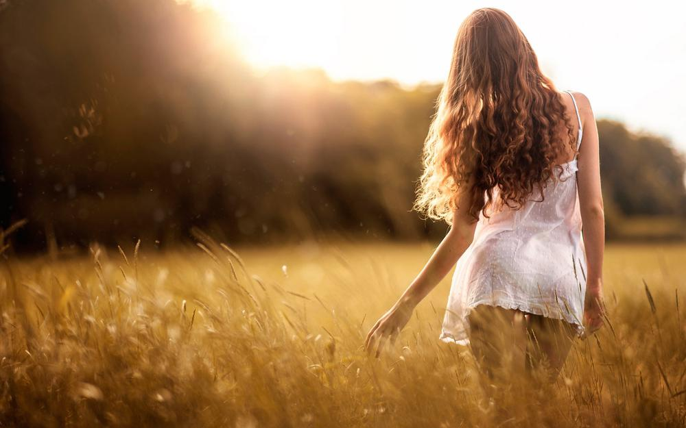 I love this summer, girl, sexy beauty, white little skirt, curl, back, mood, beautiful wallpaper