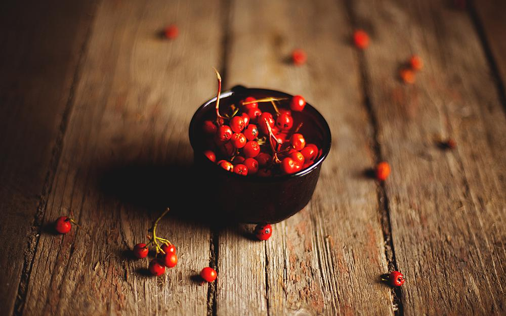 Berries, red, small