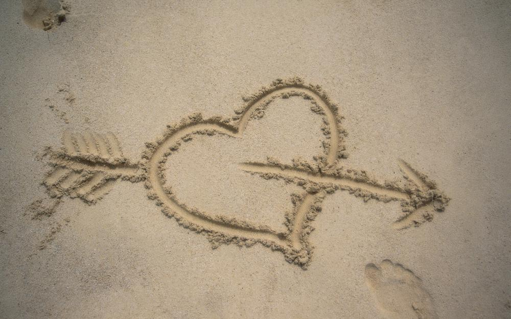 Drawing, love, background, sand, traces, arrow, heart