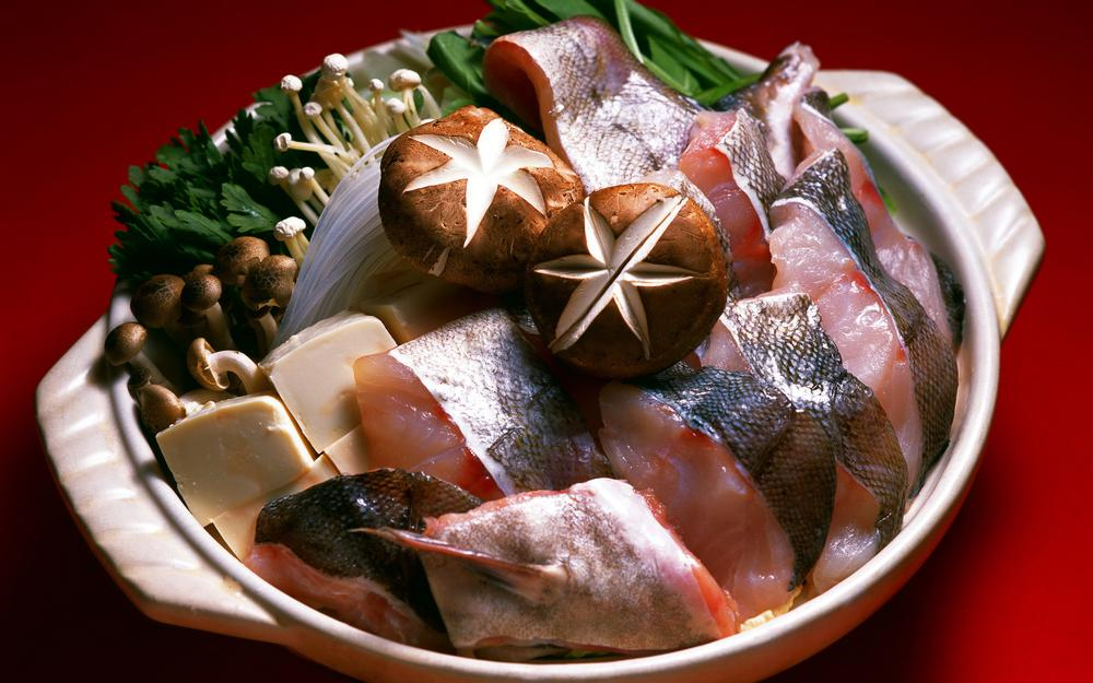 Fish in a plate hd wallpaper